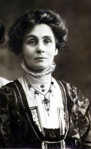 Emmeline-Pankhurst-sufragette-who-fought-for-the-right-for-women-to-vote